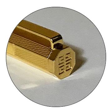G8角ゴールドボールペンの特徴1