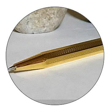 G8角ゴールドボールペンの特徴3